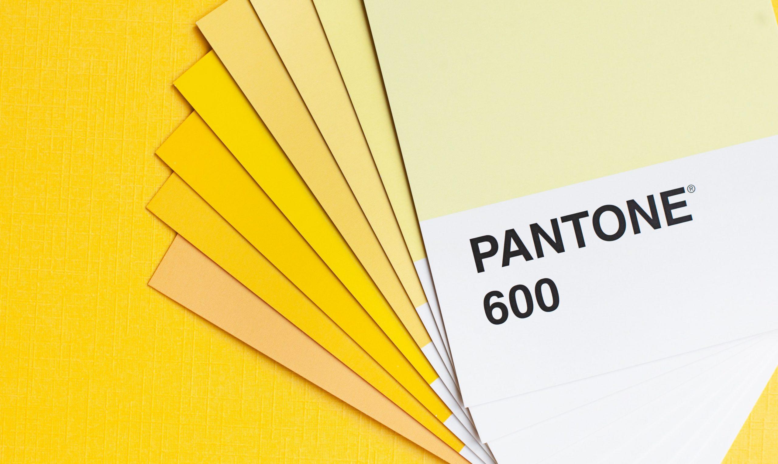 Pantone giallo